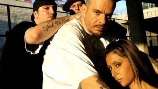 Club Dogo feat. J. Ax - Brucia ancora