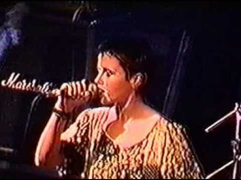 The Cranberries - Still Can't (Live)