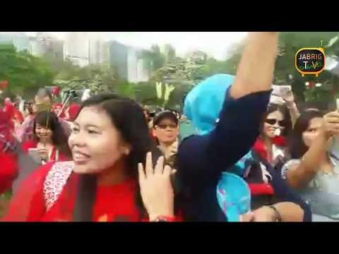Pasukan merah putih. Pendukung ahok yang ada di hongkong.