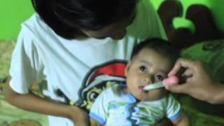 vuclip Bayi lucu tidak mau minum obat