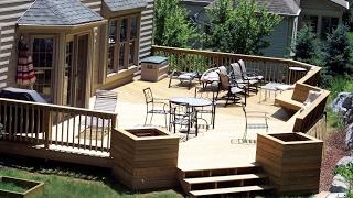 видео Беседки для дачи своими руками: место для отдыха под крышей в саду (40 фото)