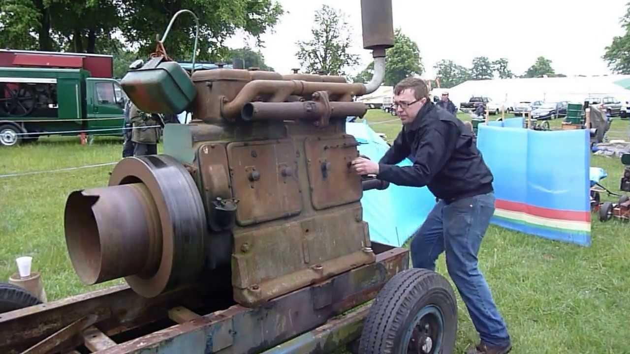 start of a lister 4 cylinder by handstationary engine