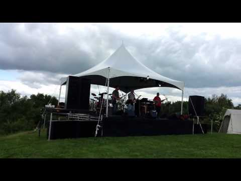 Compare The Beercat - The Snake (Al Wilson cover) Frodsham Festival 2012