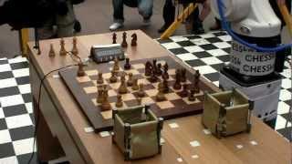 """ROBOT """"Kuka"""" - ROBOT """"Chesska"""" Game 1"""