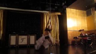 POLE DANCE Я