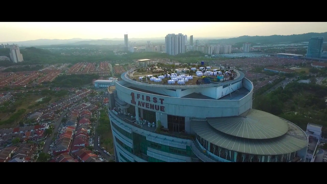 unique wedding location at stratosphere the roof malaysia sean tina 20082016