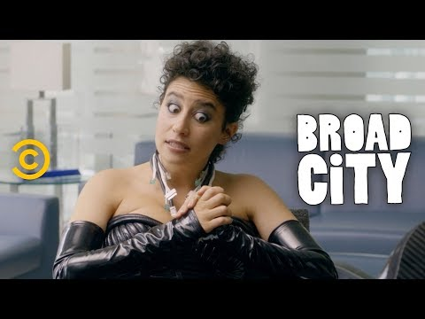 The Ethical Dilemma Behind Ilana's Phone Wigs Start-Up - Broad City