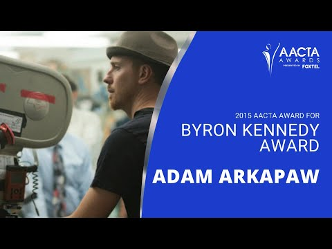 Adam Arkapaw receives the Byron Kennedy Award at the 5th #AACTAs fragman