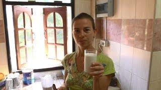 Рецепт сыроедческого кокосового йогурта. Очень белковый коктейль с растительными жирами.
