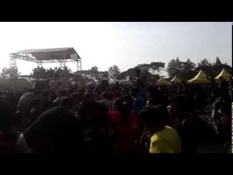 Iwan Fals-Indonesia raya konser di cirebon