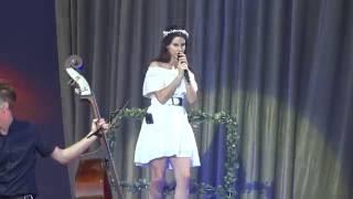 Repeat youtube video Lana Del Rey - Carmen @ Vieilles charrues 2016
