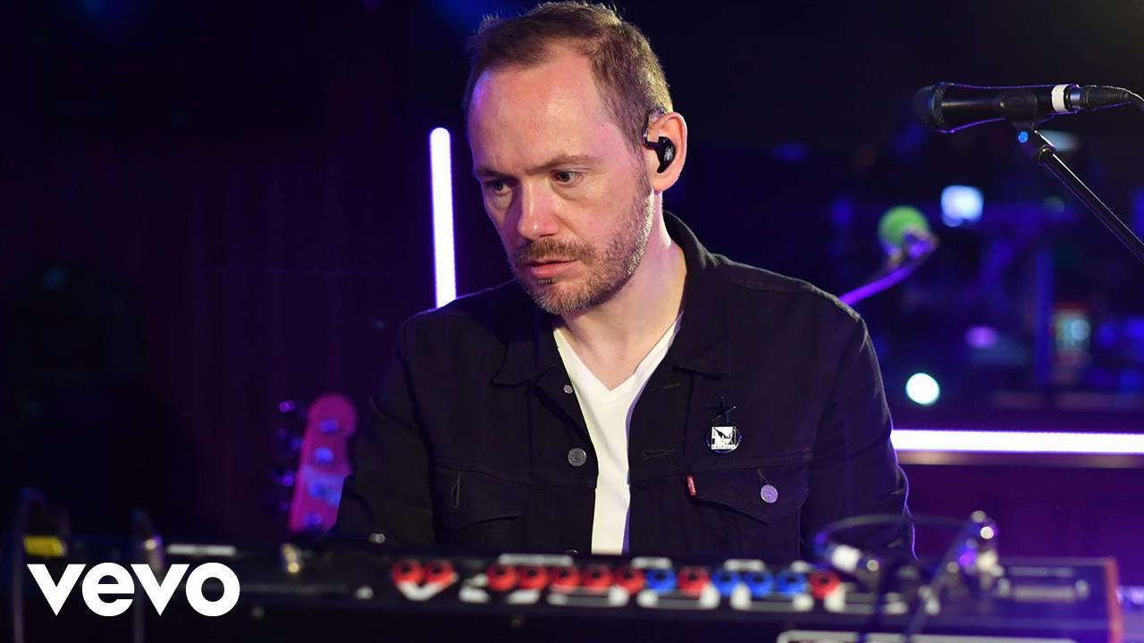 Chvrches This Is What You Came For Calvin Harris Ft Rihanna Cover In The Live Lounge