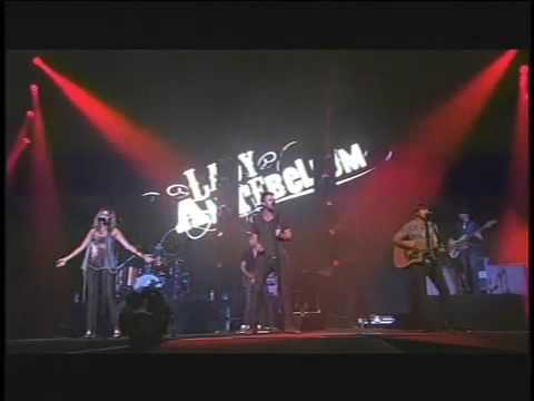 Lady Antebellum - I Run To You, Live from the Staples Center