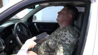 В Сумах пьяный офицер терробороны на Land Rover влетел в остановку(Сегодня, около 14:30 на ул. Металлургой произошло ДТП. Офицер территориальной обороны Денис Доценко, находясь..., 2015-09-02T12:48:22.000Z)