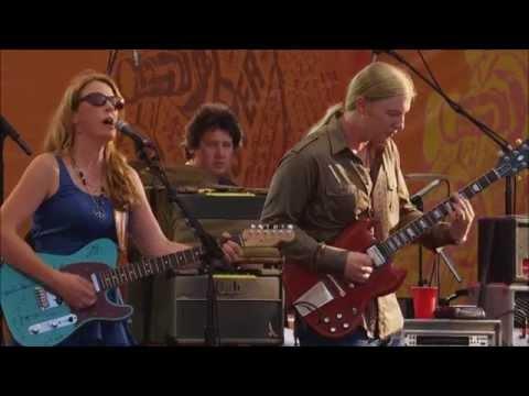 Midnight In Harlem - Tedeschi Trucks Band (Crossroads Guitar Festival 2010)