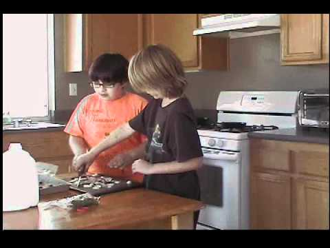 Kids Cookin' in the Kitchen: omlette du onion  Ep:1