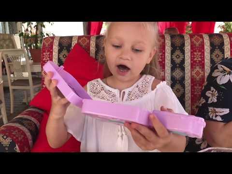 Аліса знову веде Масю на Грумминг! Класне Дзеркало З Іграшками
