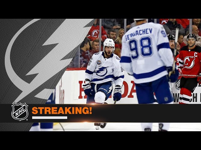 Kucherov extends scoring streak to seven games