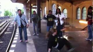 King Exxx / Abba Lang / Osyrys - Guerilla freestyle action - !!! U1 Berlin City ...