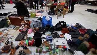 видео Блошиные рынки в Москве. Где находится барахолка в Москве