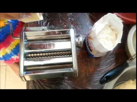 Bikin mie sendiri, (making noodle)