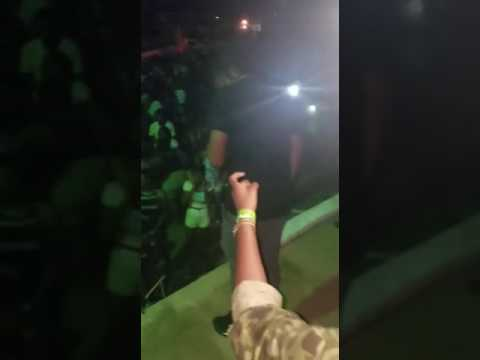 SHANE-E  DRAGGY DRAGGY  LIVE PERFORMANCE(TRAPPING DANCEHALL )
