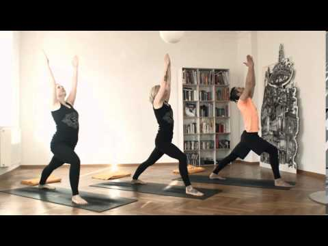 Ashtanga Yoga München 1. Serie - YouTube