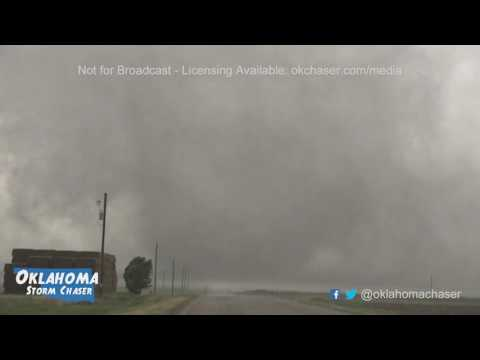 Dodge City KS tornado close range May 24, 2016