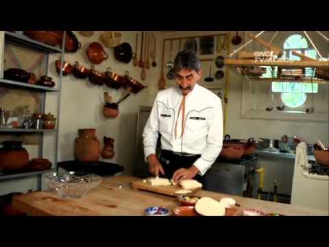 Tu Cocina Yuri de Gortari  Clemole morelense  YouTube