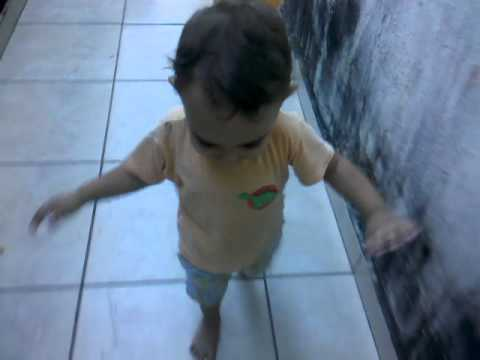Meu Bebe Raphael Andando Travel Video