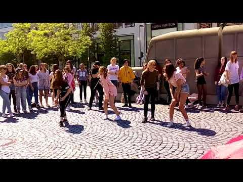 K-pop random dance spotted! Zeil, Frankfurt 05.05.2018