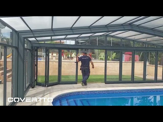 COVERTTO. Fachada cubierta de piscina