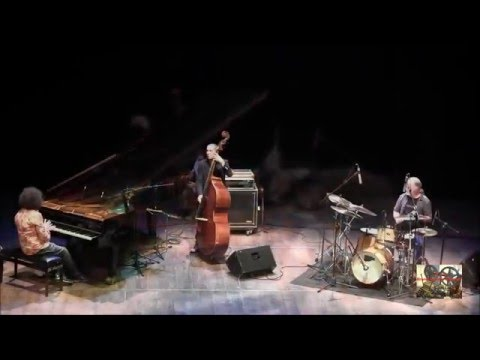 MUSIC COLOURS classica, jazz, pop: MOCATA SCAGLIA WERTICO Trio -  Free the Opera!