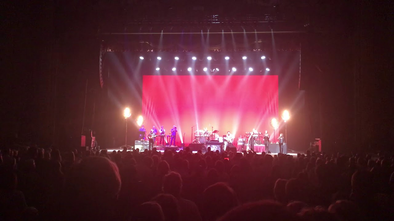 Steely Dan Concert At Richmond Va Playing Reeling In The Years