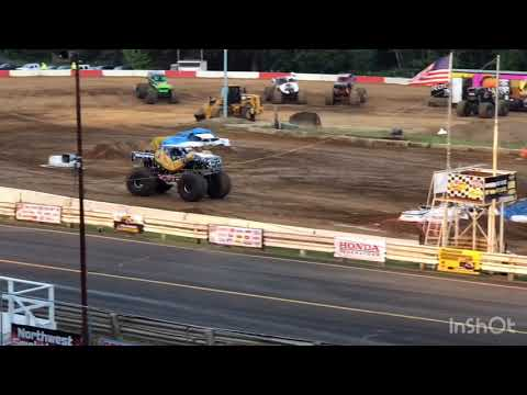 Malicious Monster Truck Tour Freestyle | Coos Bay Speedway 2018
