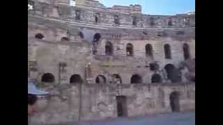 Колизей амфитеатр в Тунисе