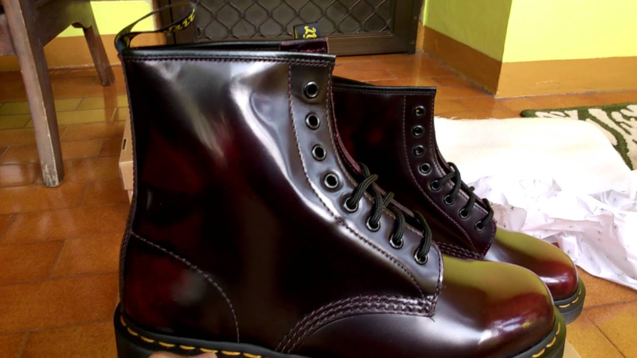 b65fe28bde9ee Dr Martens 1460 Cherry Red Arcadia (rub off) - YouTube