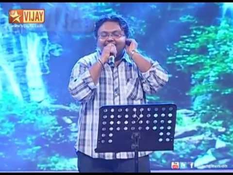 Music Composer Imman sings Onnum Puriyala from Kumki.