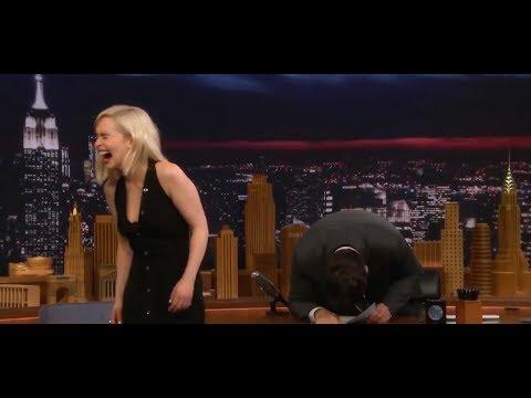 10 ПРИКОЛЬНЫХ МОМЕНТОВ С ЭМИЛИЕЙ КЛАРК / Дейенерис Таргариен / Emilia Clarke Funny Moments