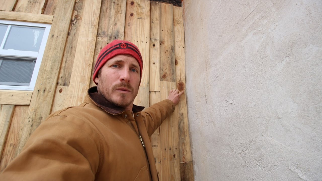 Pallet Wood Walls And A Trick For Dealing With Uneven