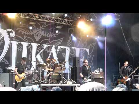 Viikate - Kuu Kaakon Yllä (live)