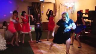 Танец гостьи на свадьбе- полный улет!!!!!!