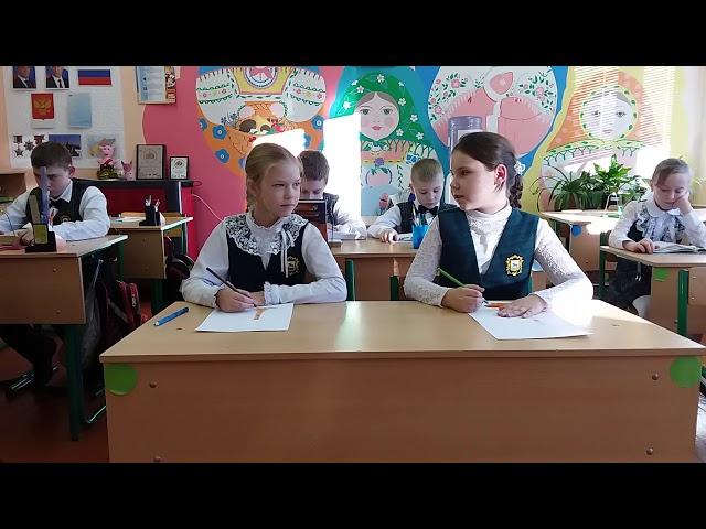 Изображение предпросмотра прочтения – ВероникаЖуравлева читает произведение «Синие листья» В.А.Осеевой