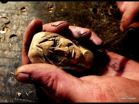 видео: Резьба по дереву. Человеческое лицо. кулон diy почти миниатюра.wood carving, human face