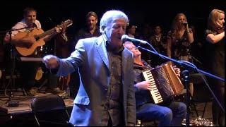 Fragmento de la actuación irrepetible en el Festival de Ortigueira ...
