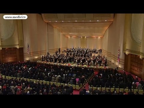 New York Philharmonic - National Anthems of North Korea & USA (Pyong Yang 2008)