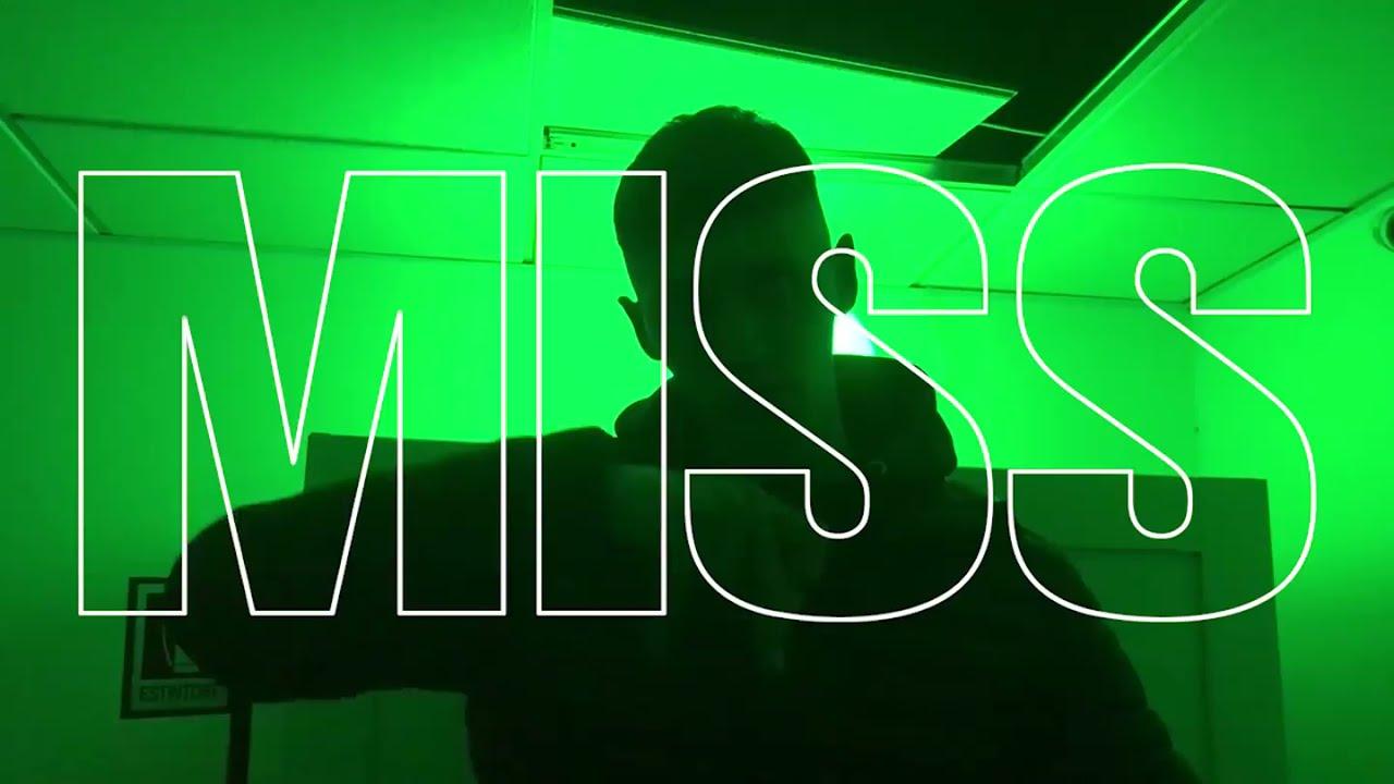 Download MASSIMO PERICOLO - MISS (VIDEOCLIP VERSIONE ORIGINALE)