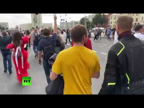 Minsk protesters march