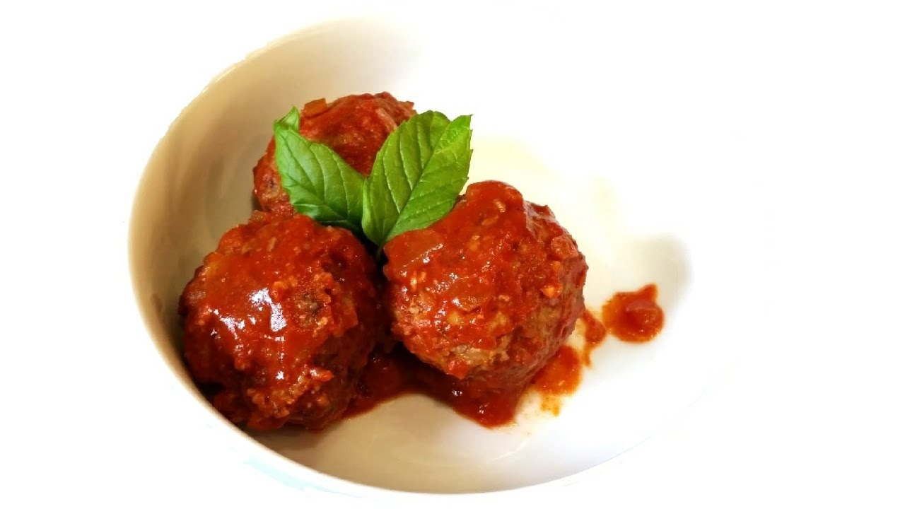 greek meatballs with rice in tomato sauce