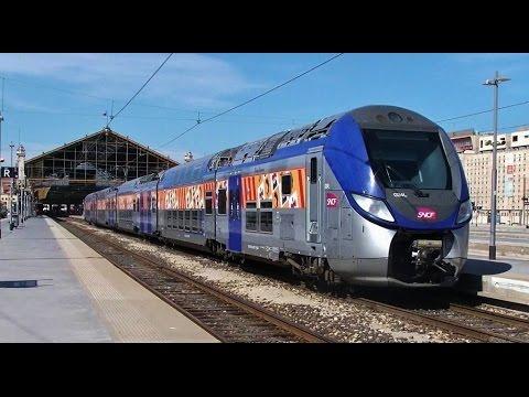 Trains En Gare De Marseille St Charles - Marseille Station & Trains